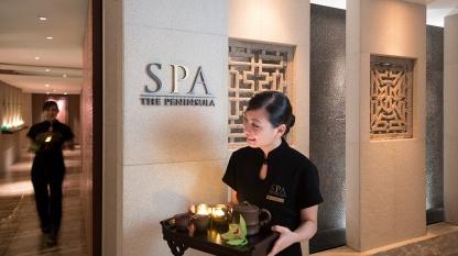The-Peninsula-Spa-interior-staff-1