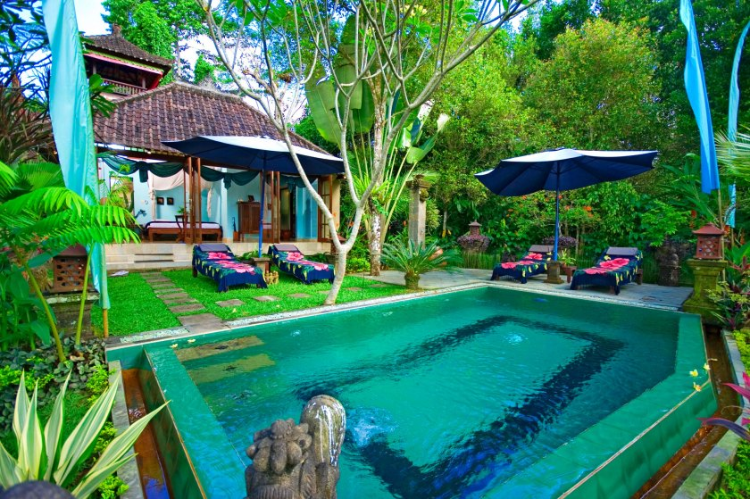 mahogany_villa_swimming_pool2