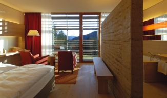 vigilius-mountain-resort-bedroom-bath-view-interior-design-mountain-view-M-04-r